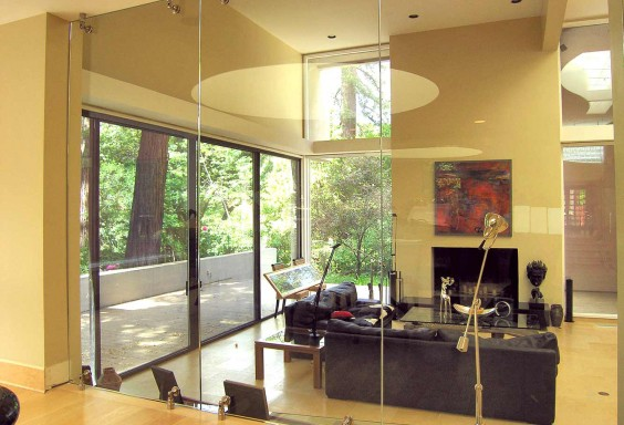 Glass Wall - Indoor